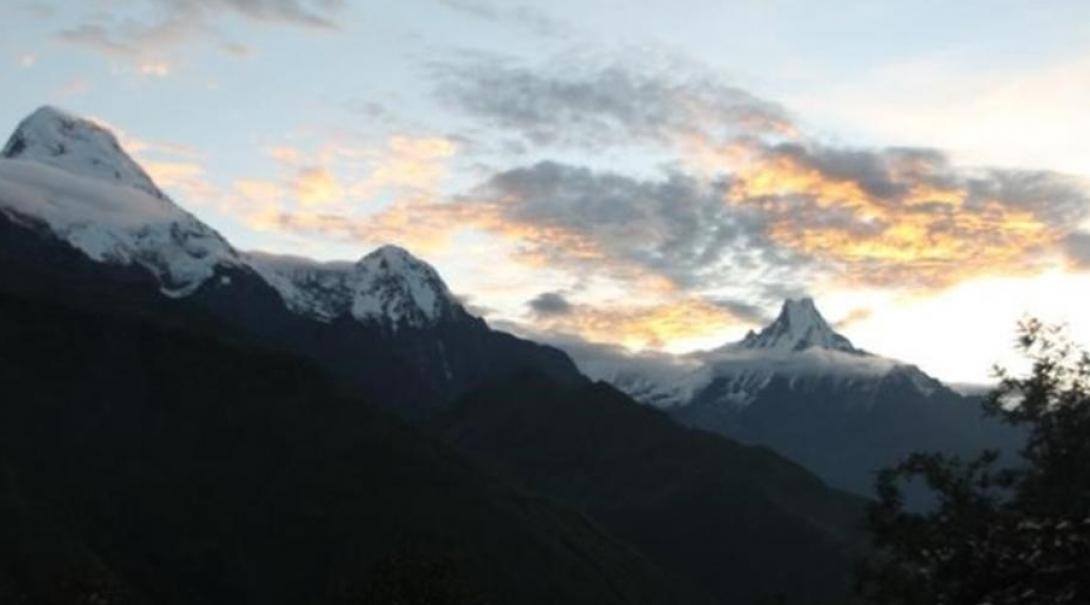 Photo des sommets des montagnes pour le témoignage de Johanna sur le projet écovolontariat au Népal
